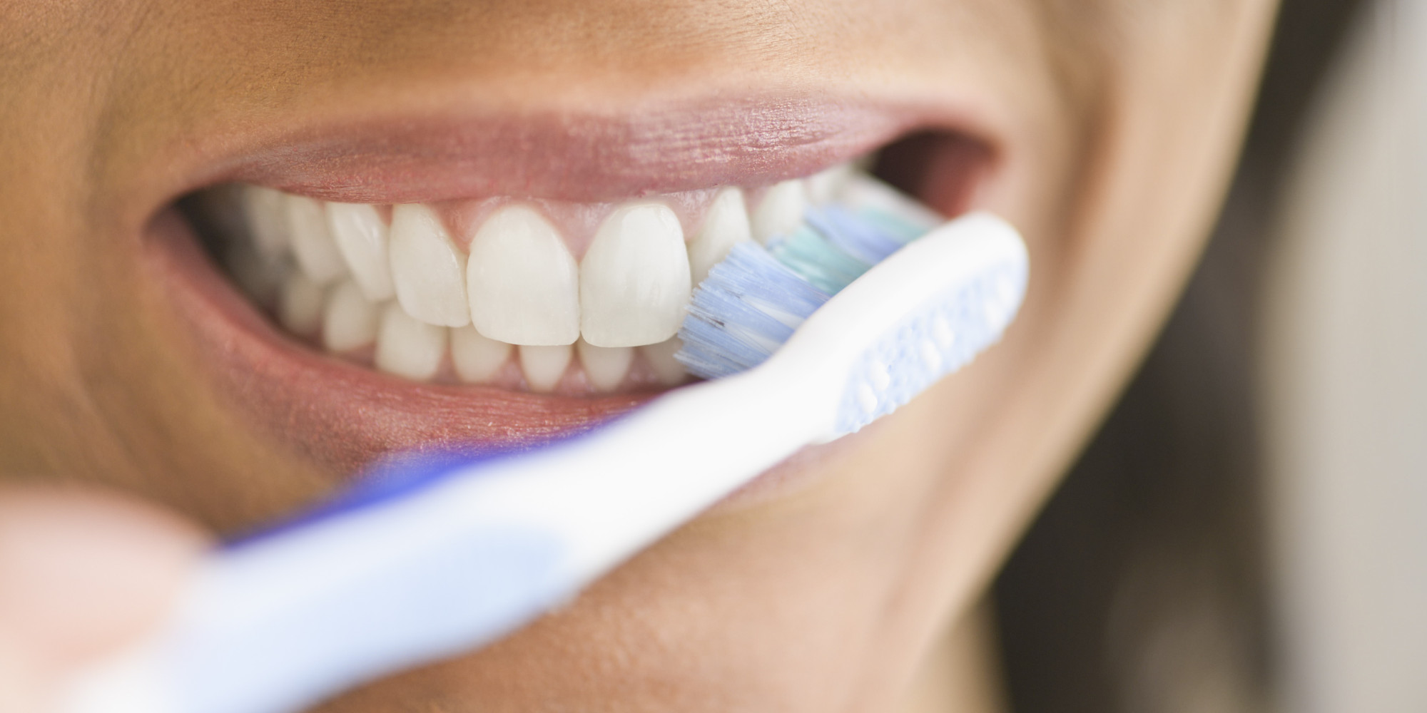 Tooth-whitening toothpaste