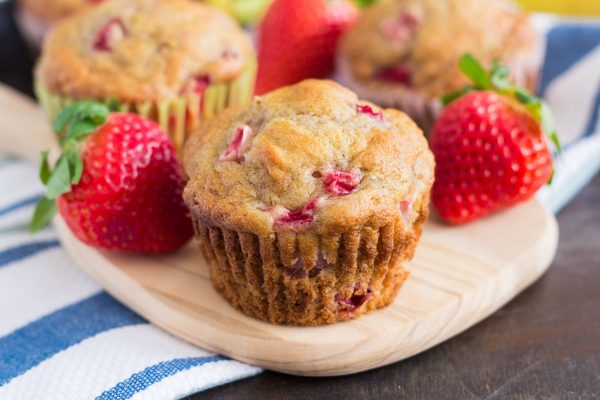 strawberry-banana-muffins-6